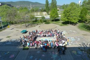Egy iskola, egy szív, együtt dobog a Földért…