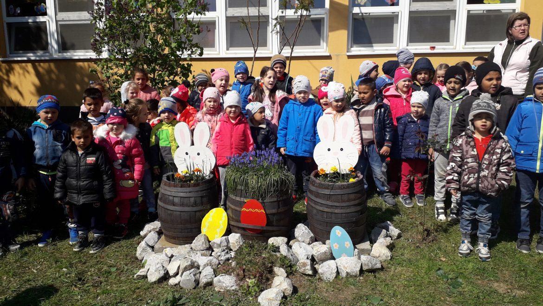 A Sajópetri Nefelejcs Óvoda gyermekeinek éneke a Földért